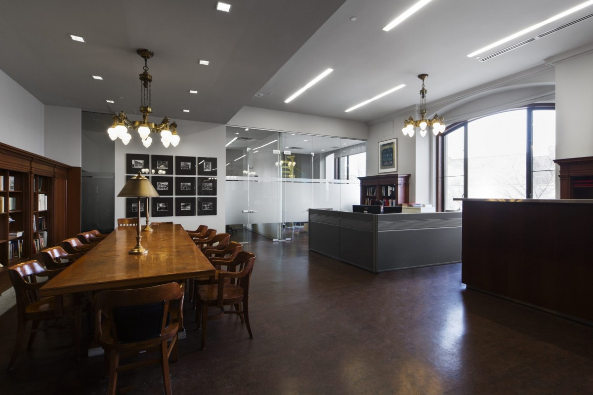 Edifice Gaston-Miron 10