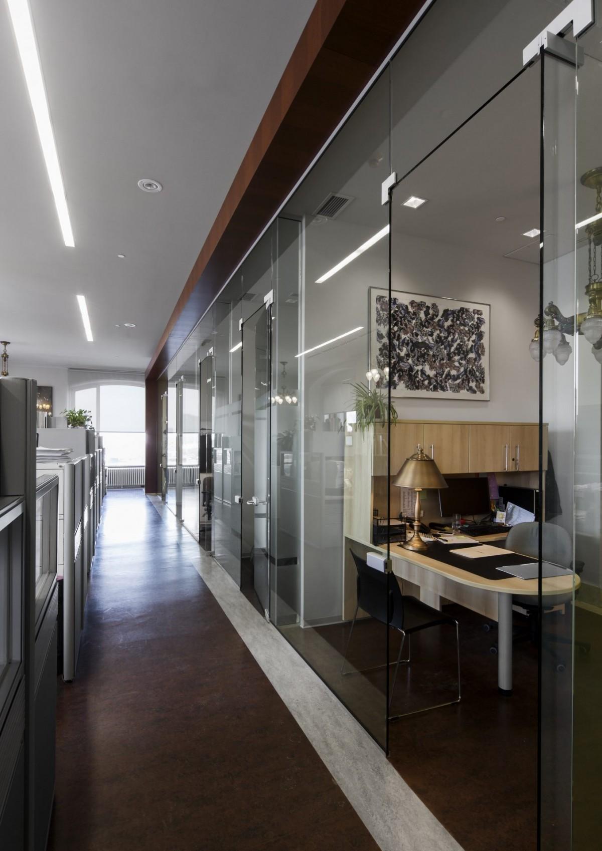 Edifice Gaston-Miron 11
